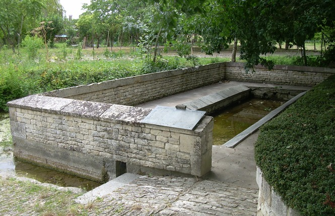 Lavoir-abreuvoir de Richebert 1 - Saint-Georges-de-Rex